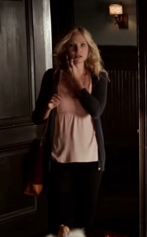 File:Caroline Forbes clothes 6x10.png
