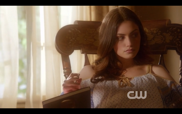 File:1x22-Hayley watches Klaus leave.png