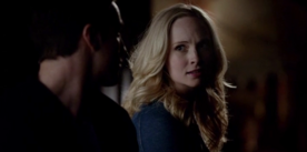 Caroline talking with Tyler 5x15
