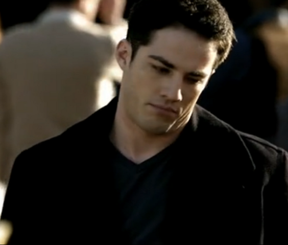 File:1X21 Tyler Lockwood Isobel....png