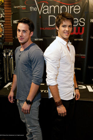 File:Michael-trevino-steve-mc-queen-01.jpg.jpg