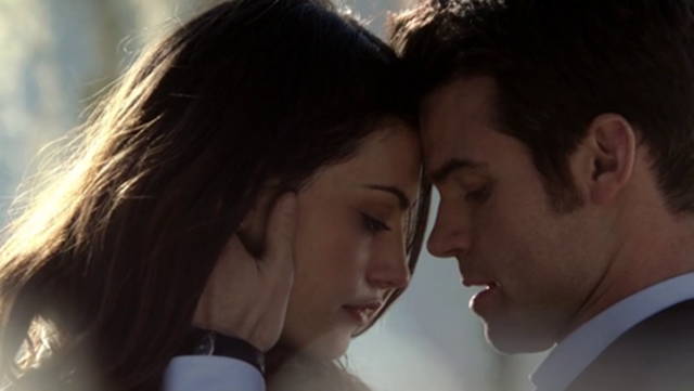 File:Hayley and Elijah 1x15.png