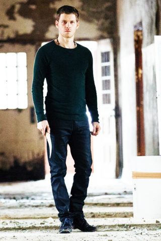 File:Klaus Mikaelson 1x14 Long Way Back From Hell.png