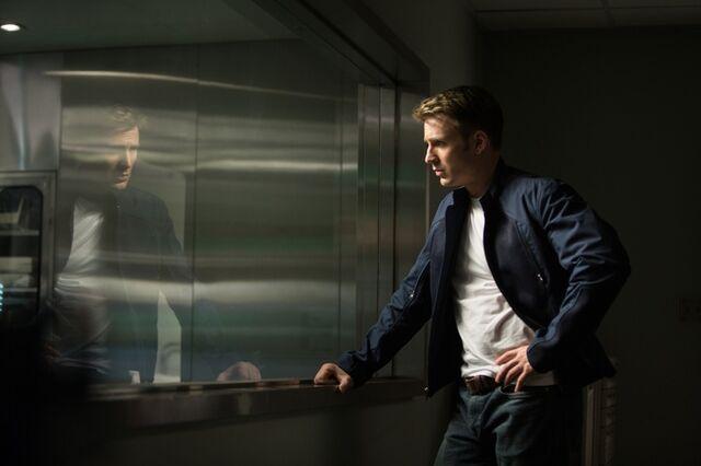 File:Captain America 2-3.jpg
