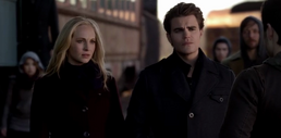 Caroline and Stefan talking with Enzo 5x16