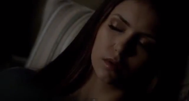 File:Elena's heavy gold makeup look in 3x22.png
