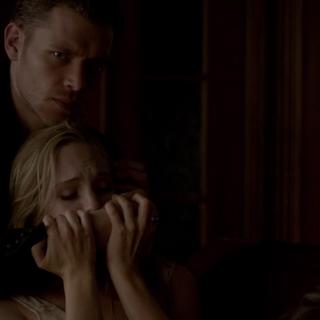 Klaus curing Caroline