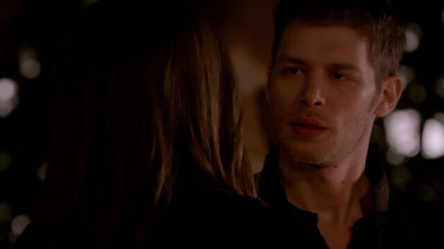 File:Normal TheOriginals220-1135Klaus-Dahlia.jpg