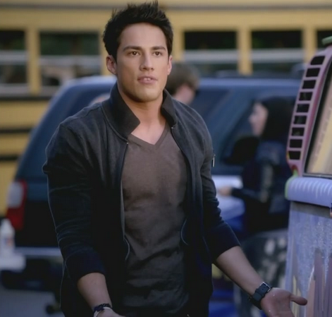 File:3x9 Tyler Lockwood Homecoming.png