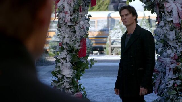 File:7X09-75-Damon.jpg