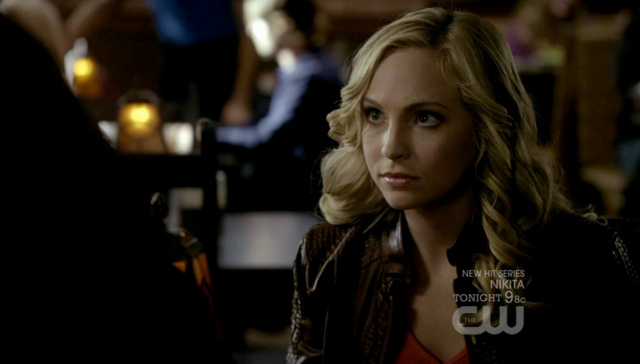 File:Caroline talking with Tyler 2x11-.png