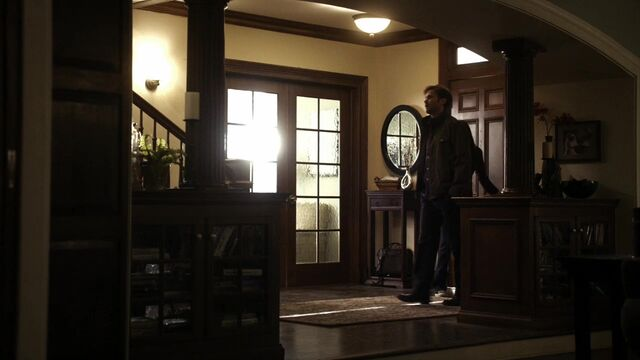File:TVD2x17-Gilbert House 22.jpg