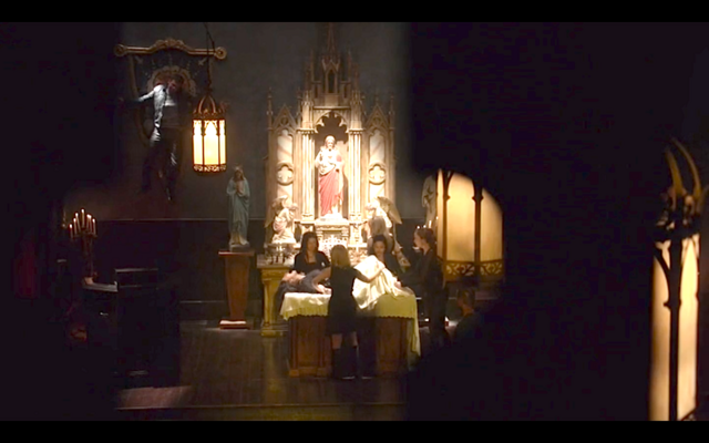 File:1x22-Klaus and Hayley in the church.png