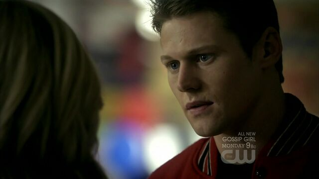 File:The-vampire-diaries-2x12-the-descent-matt-donovan-cap-02.jpg