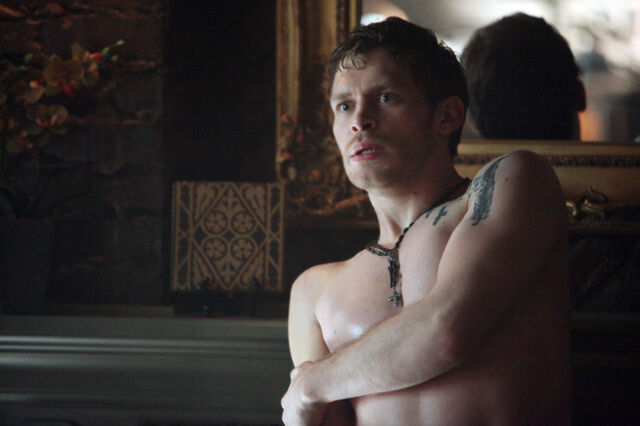 File:The-vampire-diaries-american-gothic-klaus.jpg