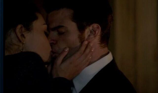 File:Haylijah kiss 1x20.jpg