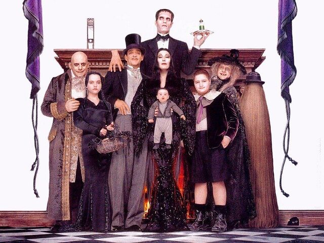 File:Addams family values 1993 1024x768 947856.jpg