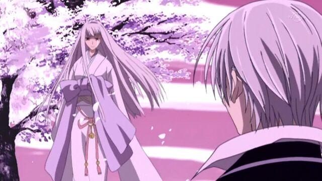 File:Vampire-knight-12-shizuka-and-zero.jpg