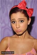 ArianaPout
