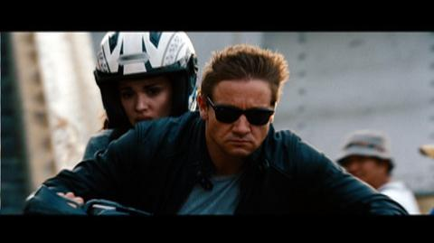 The Bourne Legacy (2012) - Clip Aaron and Marta are chased through Manila