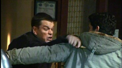 The Bourne Ultimatum (2007) - Behind the scenes Bathroom
