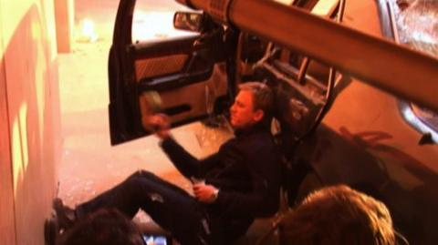 Quantum of Solace (2008) - Behind The Scenes Daniel Craig doing stunts
