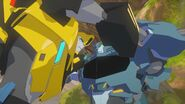 Bumblebee and Steeljaw Fight