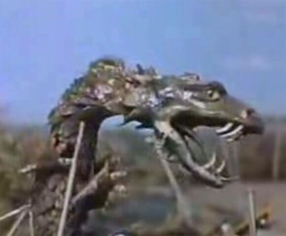 File:Reptilicus (puppet).jpg