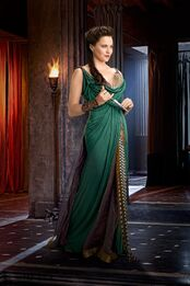 Lucy-lawless-is-lucretia-from-spartacus-vengeance-large-picture