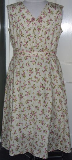 Creampink rosebud dress B