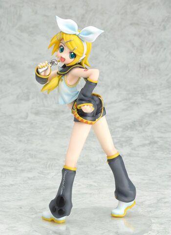 File:Kagamine Rin 1 8 figurine.jpg