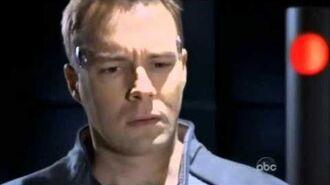 Mark Hildreth in 'V' - S2E01