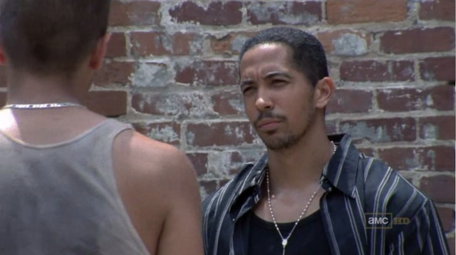File:Walking dead season 1 episode 4 vatos (20).png