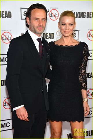 File:S3 Premiere Andrew and Laurie.jpg