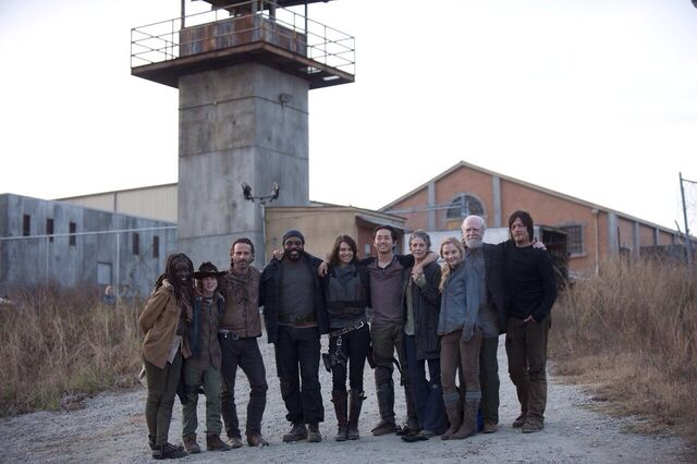 File:Danai Chandler Andrew Chad Lauren Steven Melissa Emily Scott and Norman in prison flashback Carl is almost as tall as Beth now.jpg