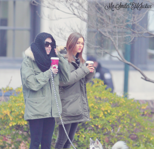 File:Victoria Justice and Miley Cyrus.png