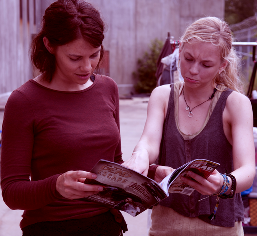 File:Lauren and Emily reading walking dead magazine Emily face is so cute.png