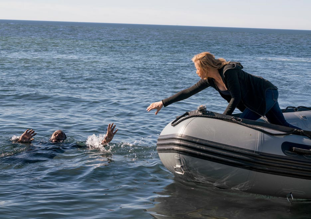 File:FTWD 204 Madison Saving Strand.png