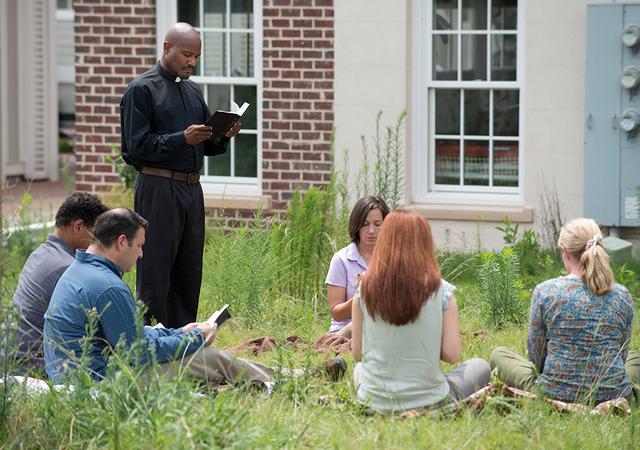 File:AMC 607 Prayer Circle.png