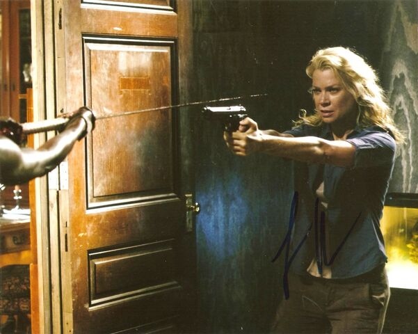 File:Laurie Holden autograph.jpg