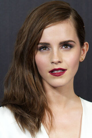 File:Emma-Watson-Noah-premiere-Madrid-2014-2.jpg