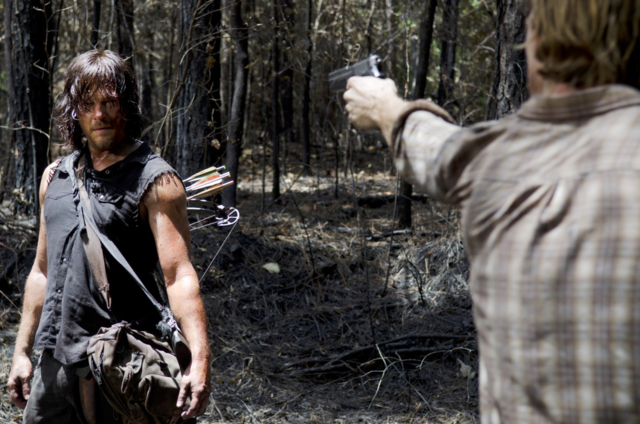 File:AMC 606 Dwight Threatens Daryl.png