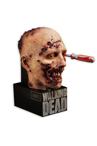 File:He Walking Dead - The Complete Second Season Limited Edition.jpg