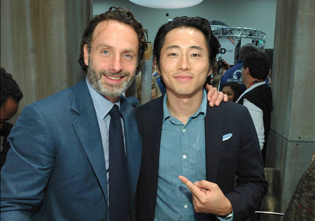 File:Lincoln and Yeun SDCC 13.png