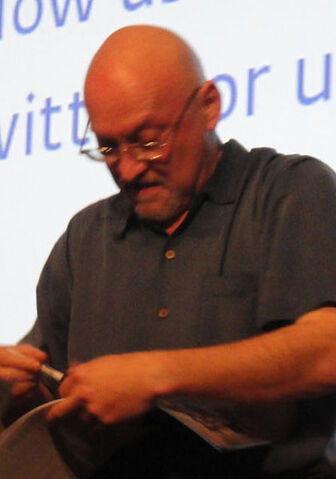 File:421px-Frank Darabont at the PaleyFest 2011 - The Walking Dead panel.jpg