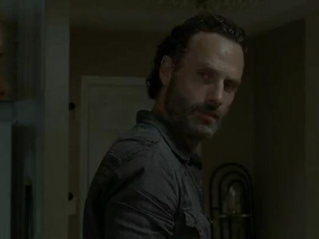 File:Rick indifferent to Carol.jpg