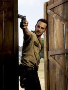 The-walking-dead-season-2-cast-9