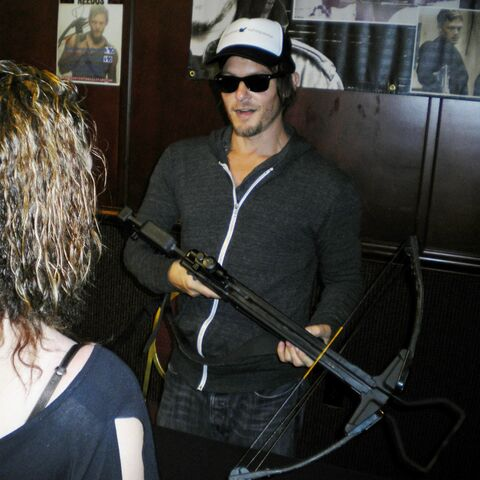File:Reedus with Crossbow.jpg