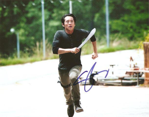 File:Steven Yeun autograph.jpg