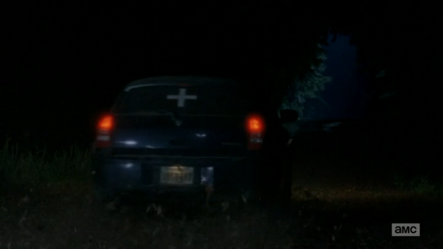 File:Beth-car-5-things-you-might-have-missed-in-the-walking-dead-strangers dodge manum.png